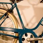 Damcykel-custombygge-sadel-trampor
